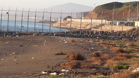 Imagen-realizada-Ceuta-personas-subsahariano_EDIIMA20140206_0720_13